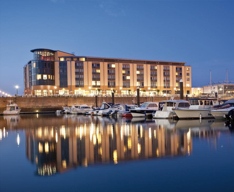 4 nights at 4* Radisson Blu Waterfront from £pp